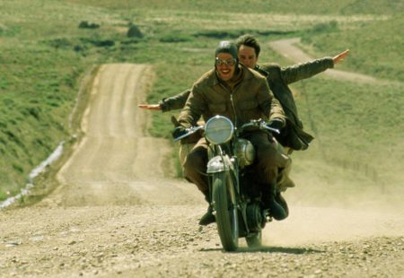 <strong>L'équipée sauvage</strong>, Laszlo Benedek <strong>The Girl on a Motorcycle</strong>, Jack Cardiff <strong>Carnet de voyages (Diarios de motocicleta)</strong>, Walter Salles <strong>Easy Rider</strong>, Denis Hopper <strong>Burt Munro</strong>, Roger Donaldson <strong>One Week</strong>, Michael McGowan <strong>On Any Sunday</strong>, Bruce Brown <strong>On Any Sunday, The Next Chapter</strong>, Dana Brown <strong>Why We Ride</strong>, de Bryan H. Carroll <strong>The Greasy Hands Preachers</strong>, Clément Beauvais et Arthur de Kersauson <strong>Deux roues sinon Rien au Rajasthan</strong>, Johann Rousselot et Christelle Leroux