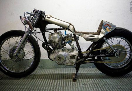 <h3>EL SOLITARIO</h3>In the world of café racer builders, Spanish artist David Borras, AKA El Solitario, is known for his special artistic approach, which is as raw as it is elegant. No one builds bikes like him!