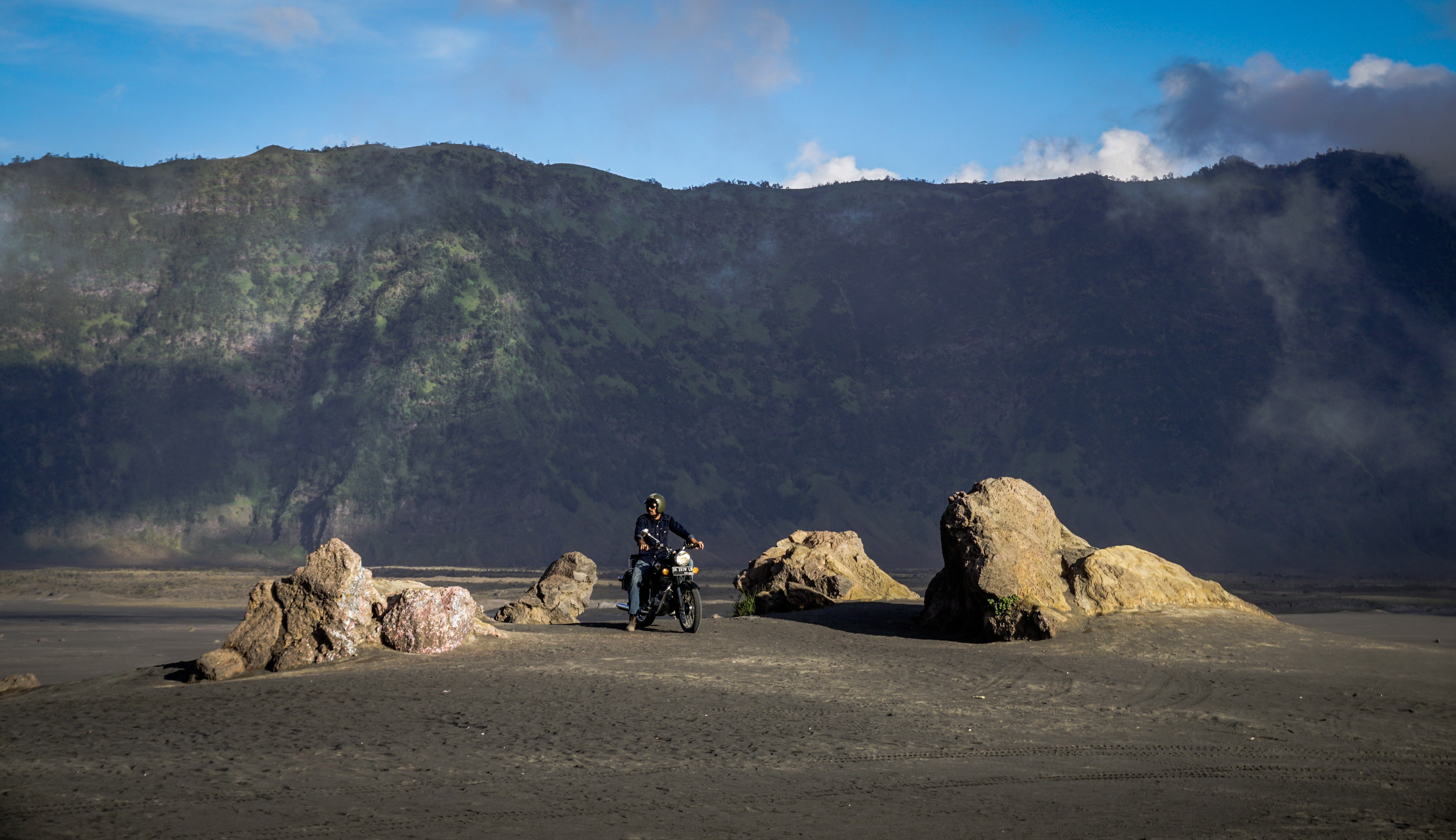 motorcycle-trip-indonesia-01