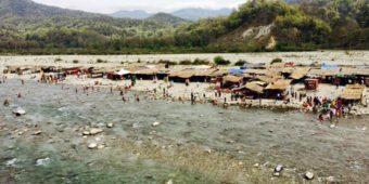 sea india himalaya river