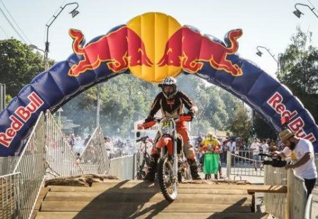 """<h3>A passion for enduro</h3>Philippe is above all a passionate biker in search of new challenges and new horizons! He has taken part in several motorcycle competitions including """"<a href=""""http://www.redbullromaniacs.com/pl/dla-zawodnikow/competitors-profile/?rid=7698"""">Redbull Romaniacs</a>"""". This enduro fan doesn't hesitate to push his own limits. His first bike was an Aprilia RX50 """"Corsa Corta"""" (which will ring a bell to our most specialized readers). He run at several races in Belgian championship, being part of the junior category. « At 32 years old, it makes a lot of people smile,» he laughs."""