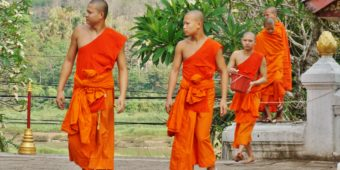 monk buddhist laos